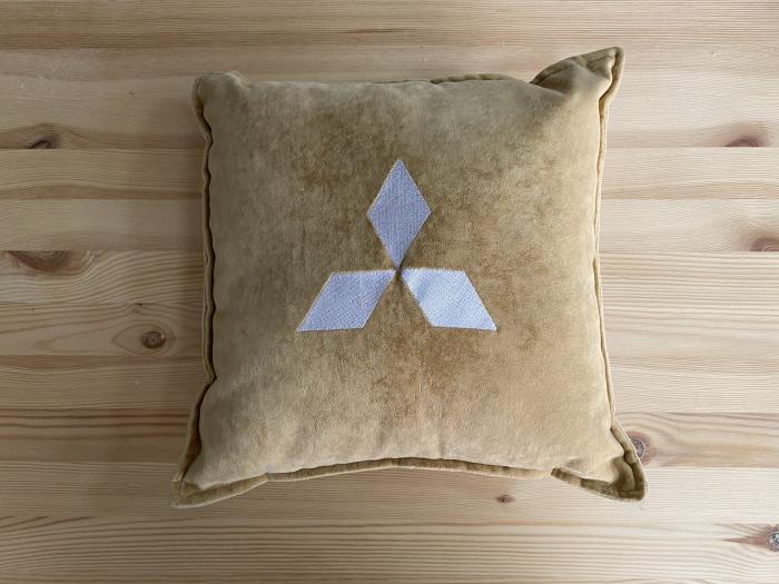 """Декоративная подушка """"mitsubishi-беж"""""""