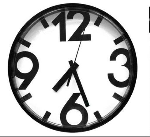 ЮККЕ Настенные часы