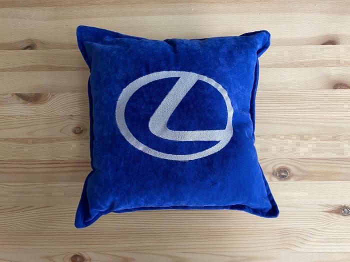 """Декоративная подушка """"Lexus-синяя"""""""